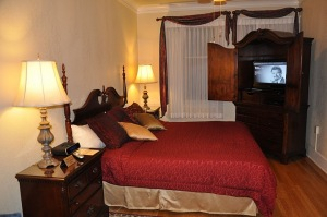 Each suite in the Marqueen includes an air-conditioned bedroom, sitting room, full bathroom, full kitchen, and eating nook.